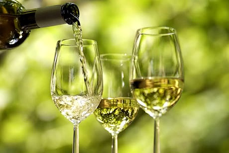 White Wines Why White and Red Wines Compliment Certain Foods