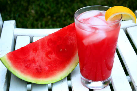 watermelon lemonade11 Drinks To Go For Health This Summer